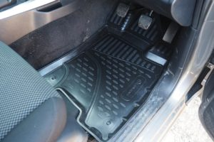 Nissan Navara NP300 Tailored Fit TPE Rubber Floor Mats