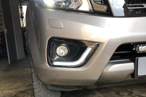 Nissan Navara NP300 - Fog Light Surrounds - With DRL - Gloss Black