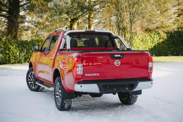 Nissan Navara NP300 D/C - Armadillo Roll Top Cover