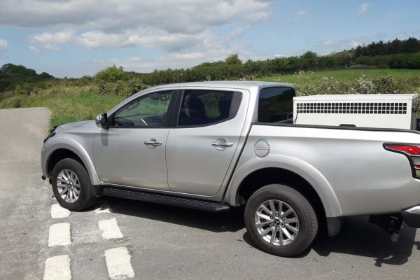 Mitsubishi L200 BLACK Side Steps - Alpine F1 Black Running Boards