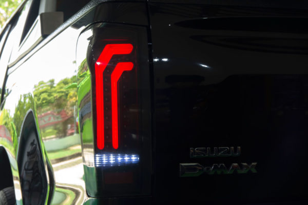 Isuzu Dmax Rear LED Lights