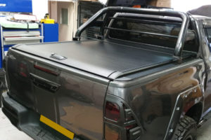 Toyota Hilux Rocco Roller Shutter - Flat Side Rails