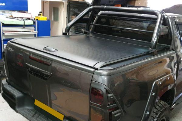 Toyota Hilux Rocco Roller Shutter - Flat Side Rails