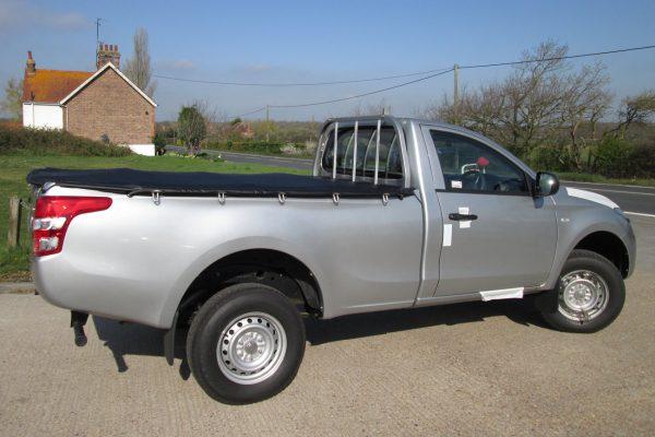 Toyota Hilux Revo Soft Bungee Tonneau Cover Single Cab