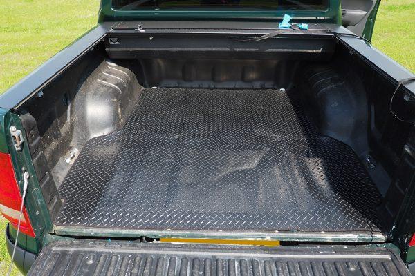 Mitsubishi L200 Series 6 Non Slip Rubber Chequered Load Liner Mat