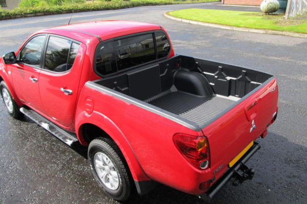Nissan Navara D22 98-04 D/C Over Rail Load Bed Liner