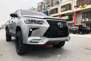 Toyota Hilux Body Kit One Piece Bumper and Grille