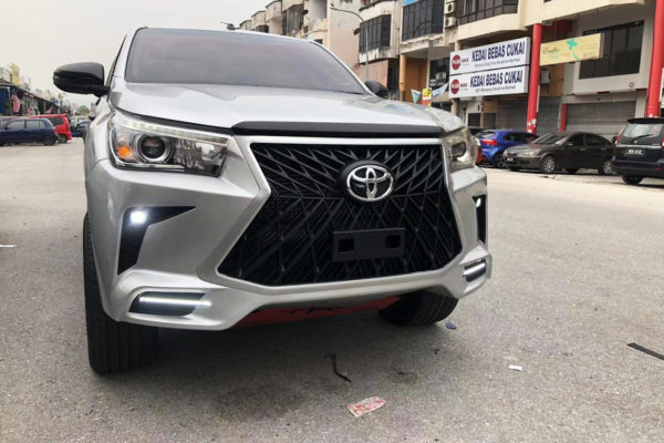 Toyota Hilux Bumper and Grille Replacement Upgrade