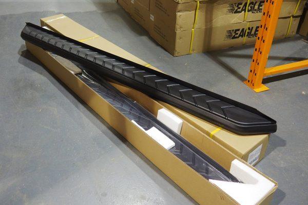 Mitsubishi L200 Series 4 Alpine F1 Black Running Boards