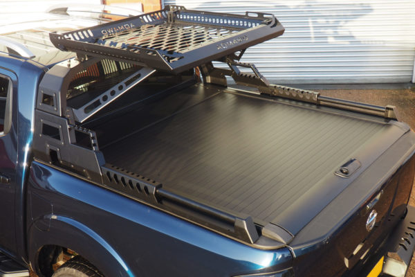 Nissan Navara NP300 Pro Roll Top Tonneau Cover with Combat Roll Bar