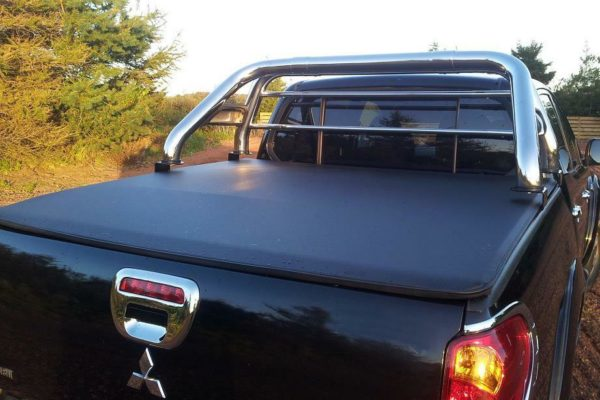 Mitsubishi L200 10-15 D/C Long Bed Soft Roll Up Cover and Roll Bar Combo