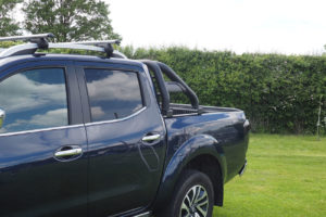 Nissan Navara NP300 Hard Fold And Roll Bar Combo