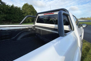 Nissan Navara NP300 Single Hoop Roll Bar Black
