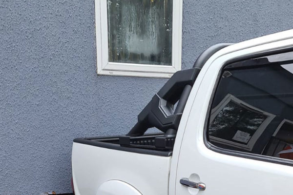 Toyota Hilux (Revo) F1 Style Roll Bar - Black - Fits with Tonneaus