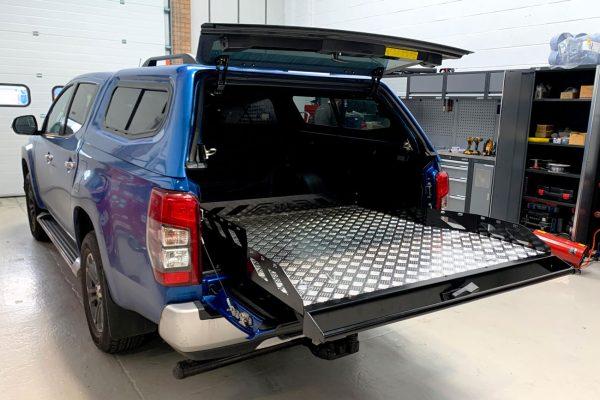 Nissan Navara NP300 Sliding Truck Bed Tray Cargo Easy Access