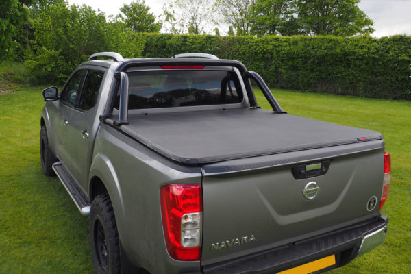 Great Wall Steed Soft Roll Up Tonneau Cover with Black Roll Bar Styling Bar