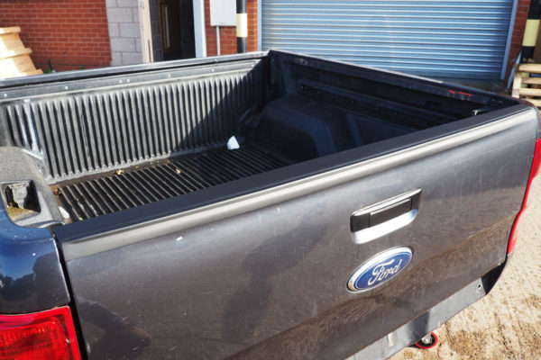 Ford Ranger T6 Large Black Smooth Tailgate Cap Cover Top Rail Protector