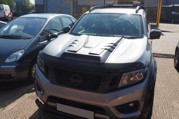 Nissan Navara NP300 Large Black Bonnet Scoop Bulk Ridged
