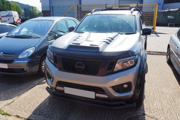 Nissan Navara NP300 Large Black Bonnet Scoop Ridged